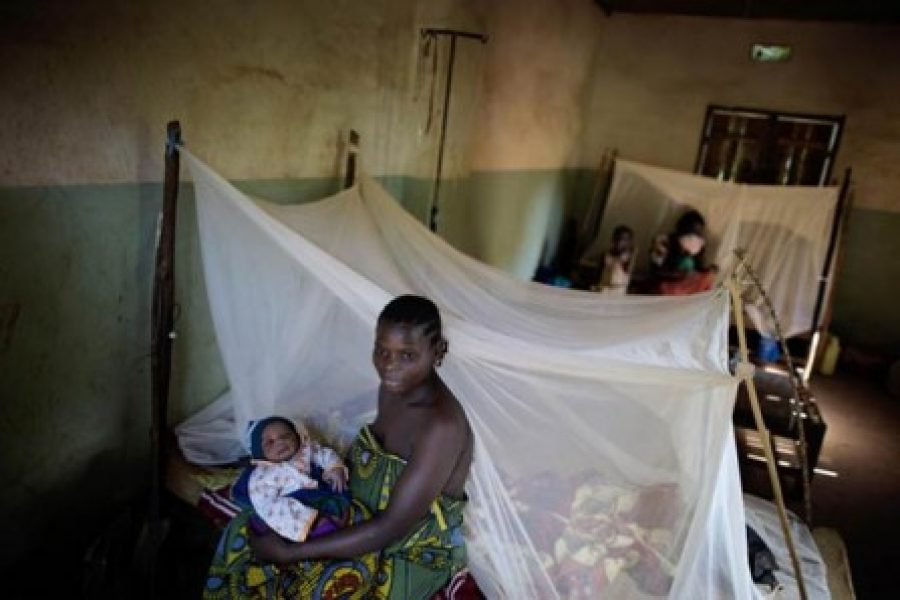 El uso de mosquiteros tratados con insecticida en la lucha contra la malaria