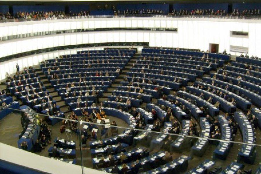 Salud por Derecho inicia la ronda de contactos con los partidos políticos de cara a las elecciones europeas