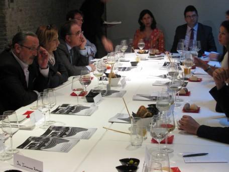 Salud por Derecho y Economistas Frente a la Crisis reúnen en un debate a actores políticos, economistas y de la sociedad civil para discutir sobre la implementación del Impuesto a las Transacciones Financieras