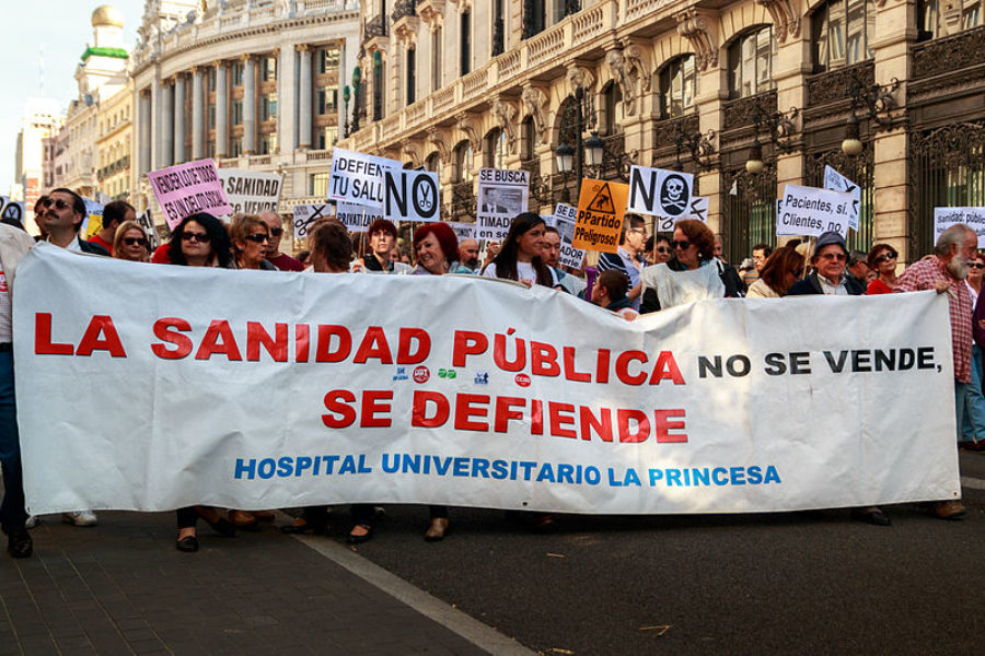 We demand an increase in healthcare spending of 1,000 euros per person per year to safeguard the Spanish National Health System