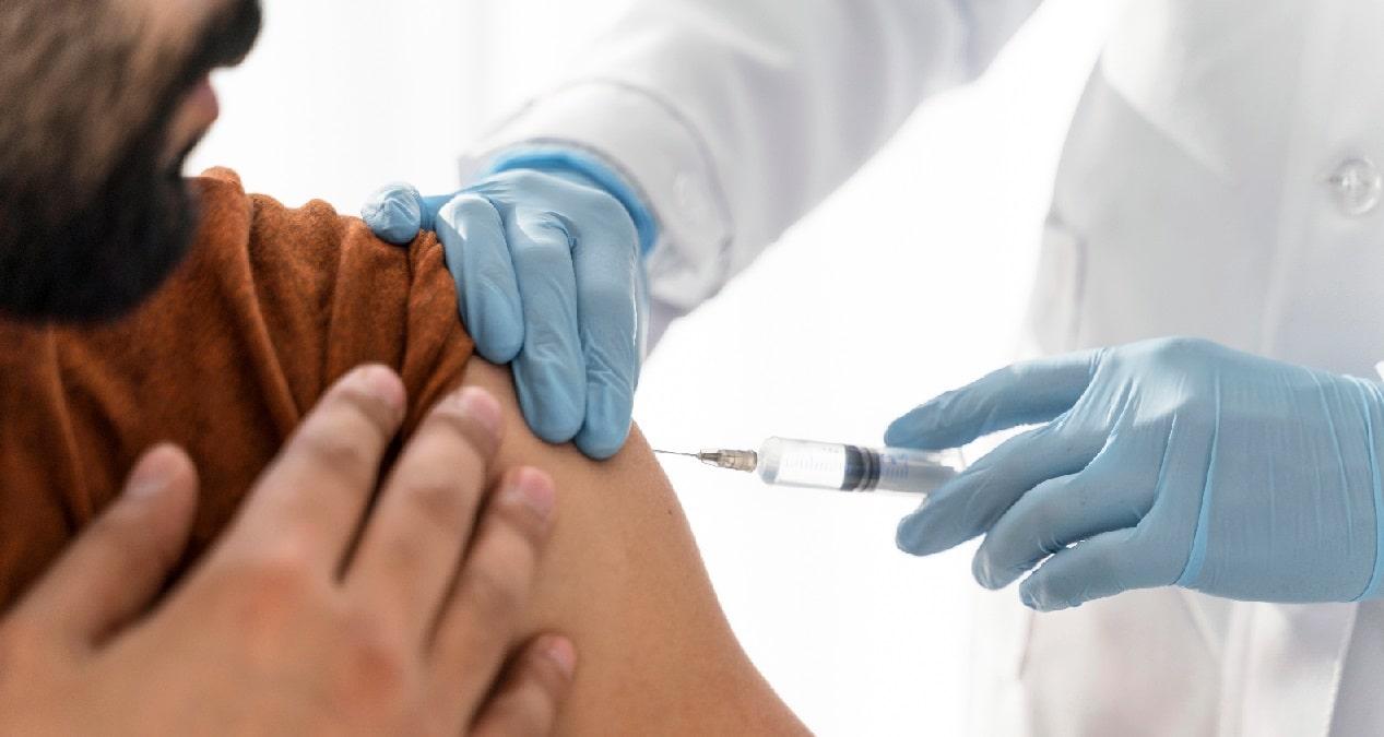 240 organizaciones internacionales rechazan que los acuerdos entre farmacéuticas sean la solución a la escasez de vacunas