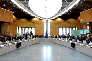 La Unión Europea mueve ficha para obstaculizar el consenso sobre la suspensión temporal de patentes