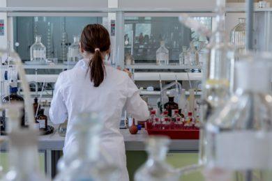 Pedimos al Gobierno que no abandone en manos de las farmacéuticas las nuevas y exitosas terapias contra el cáncer desarrolladas en los hospitales públicos